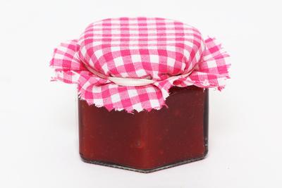 Marmelade und Gelees direkt vom Hofladen Meyers Hausstelle Waldcafe und Biergarten in der Rostocker Heide beziehenbeziehen