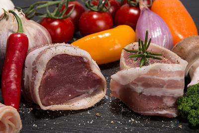 Fleischwaren direkt vom Hofladen Meyers Hausstelle Waldcafe und Biergarten in der Rostocker Heide beziehenbeziehen